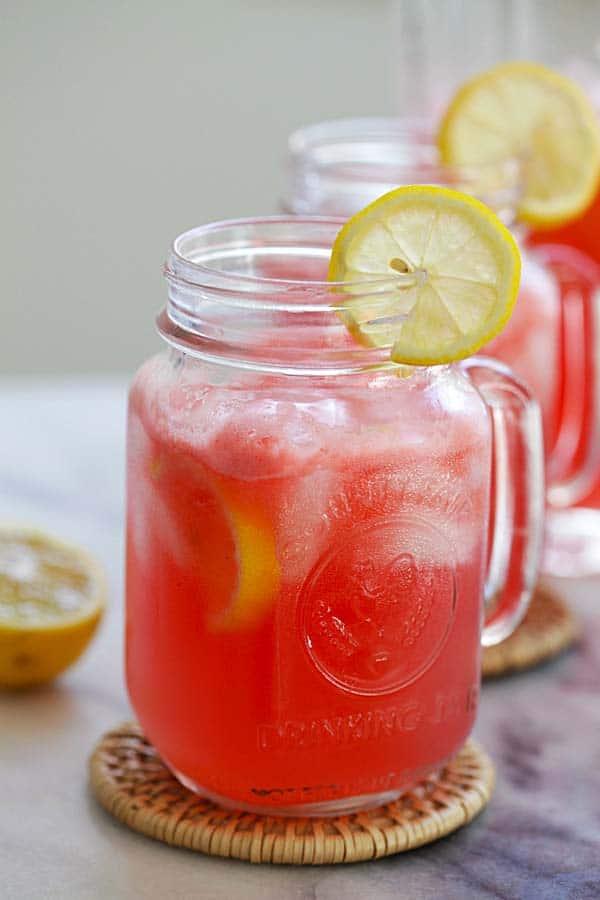 Melounové pití s příchutí citronu.