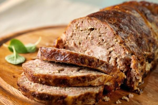 Domácí sekaná pečeně z mletého masa