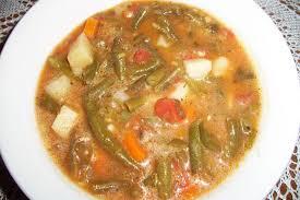 Fazolková polévka je nejchutnější se smetanou.