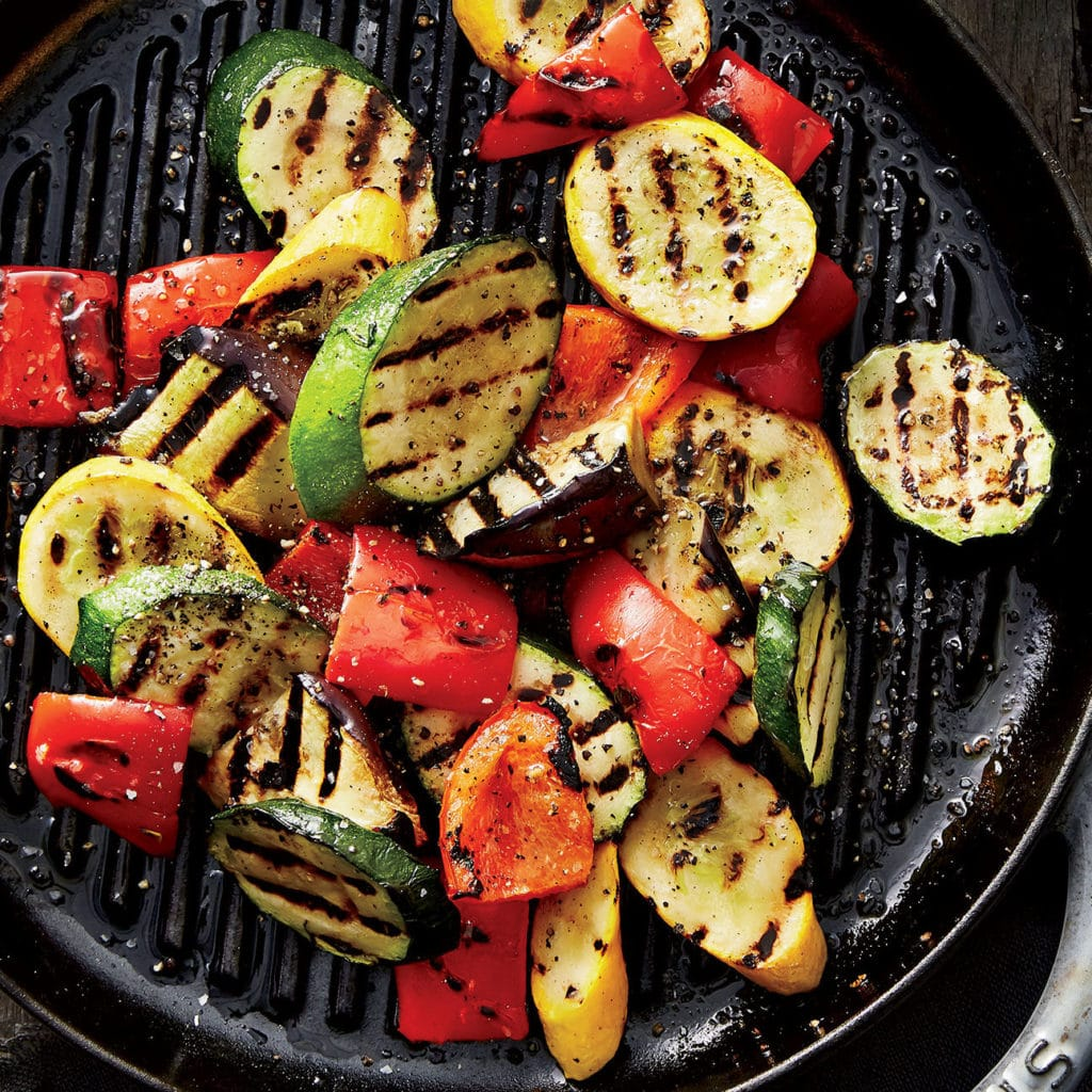 Vynikajici grilovana zelenina s omackou