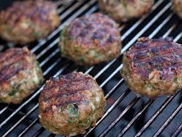 Hotový recept na grilované karbánky z mletého masa