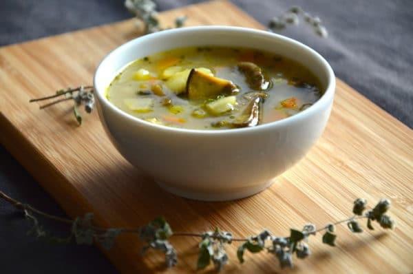 Houbová polévka s bramborami