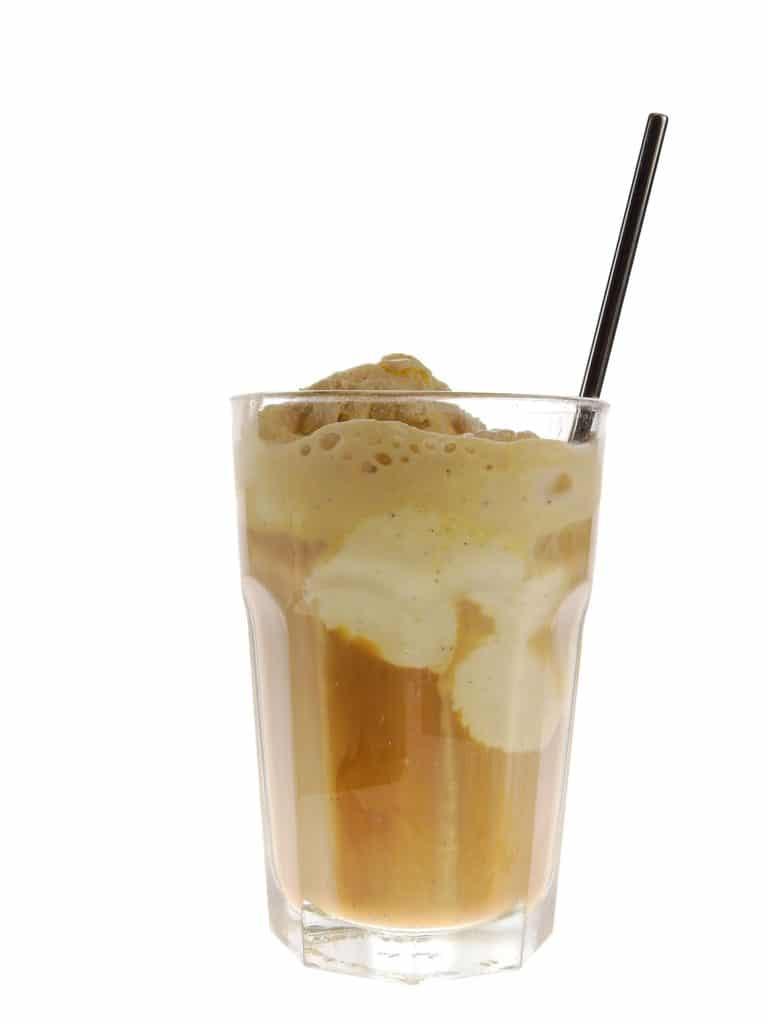 káva s ledem