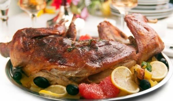 Recept na pečeného králíka s nádivkou je velikonoční klasika.