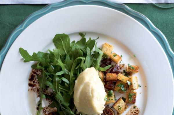 Salát se šlehaným hermalínem
