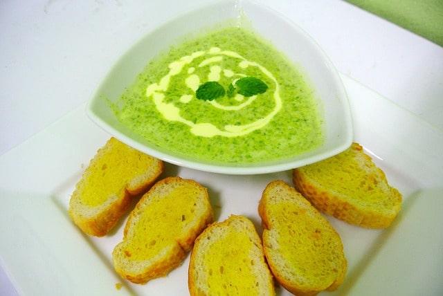 Recept na krémovou špenátovou polévku