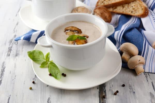 Studená majonézová omáčka s houbami
