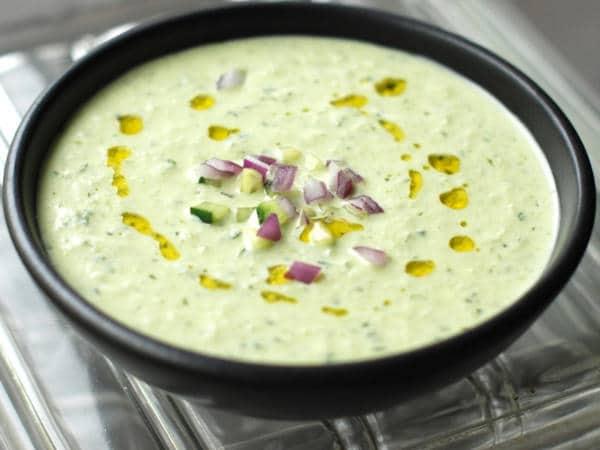 Studená polévka z okurek