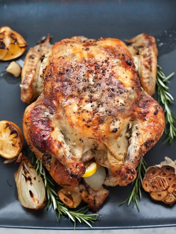 Velikonoční pečené kuře s česnekem a rozmarýnem