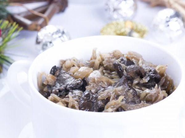 Zapékané kysané zelí s houbami