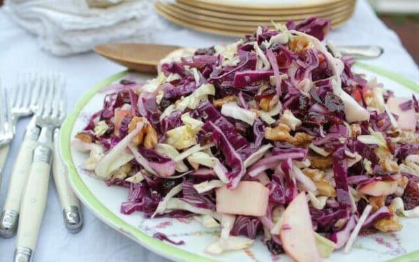 Zdravý zimní salát ze zelí