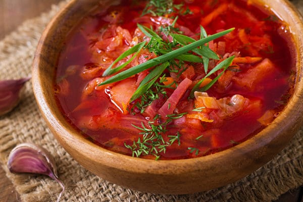 Zeleninový boršč z červené řepy
