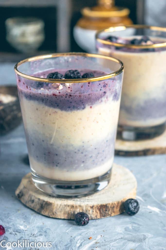 Melounové smoothie s borůvkami a avokádem.