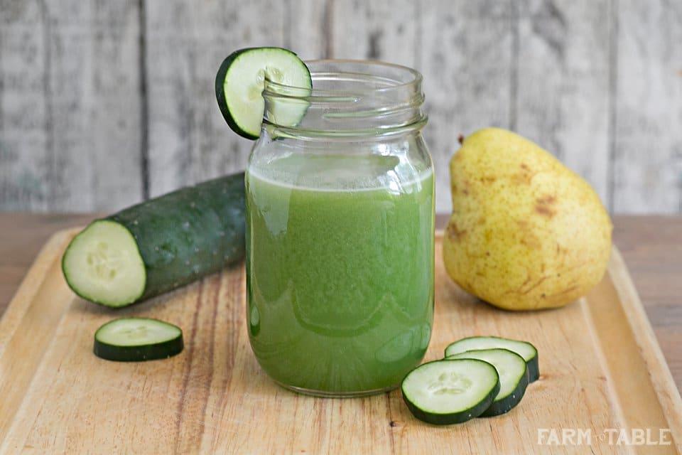 Zelené hruškové smoothie s okurkou