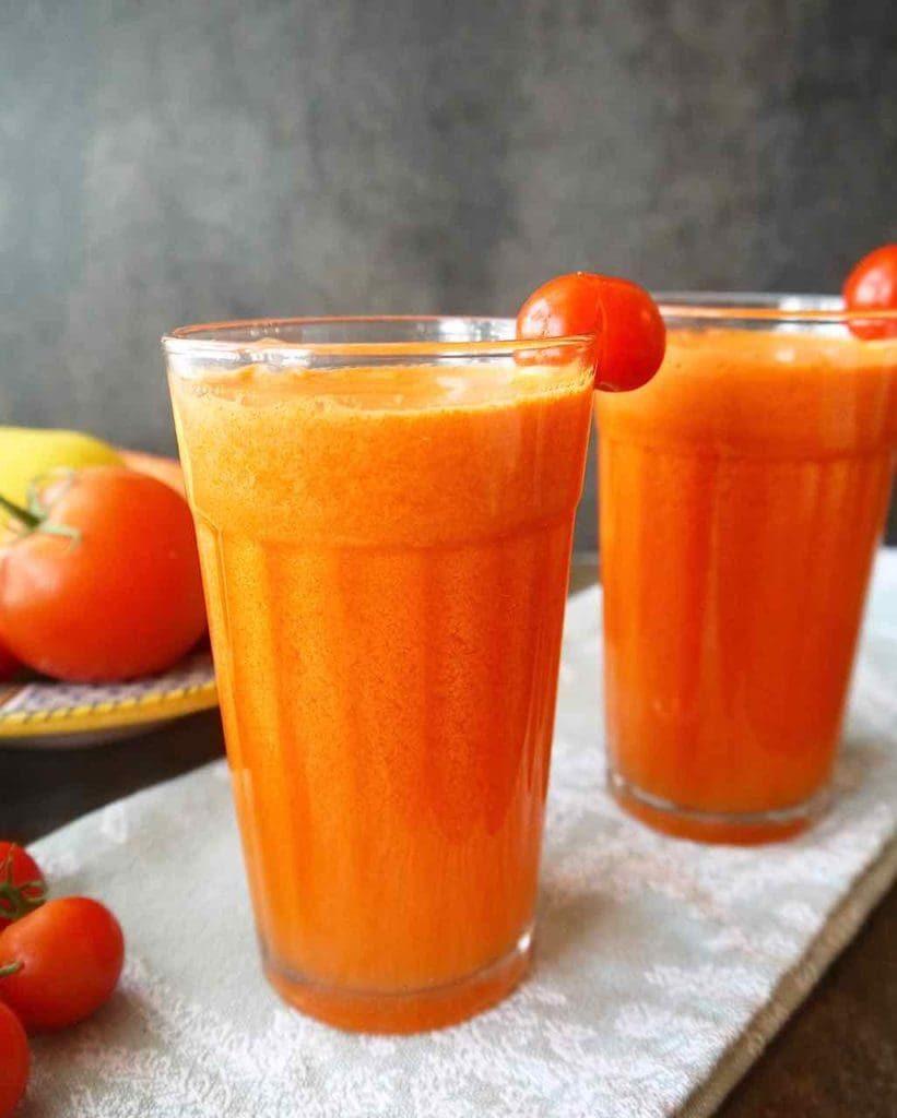 Krémové rajčatové smoothie s pomerančem.