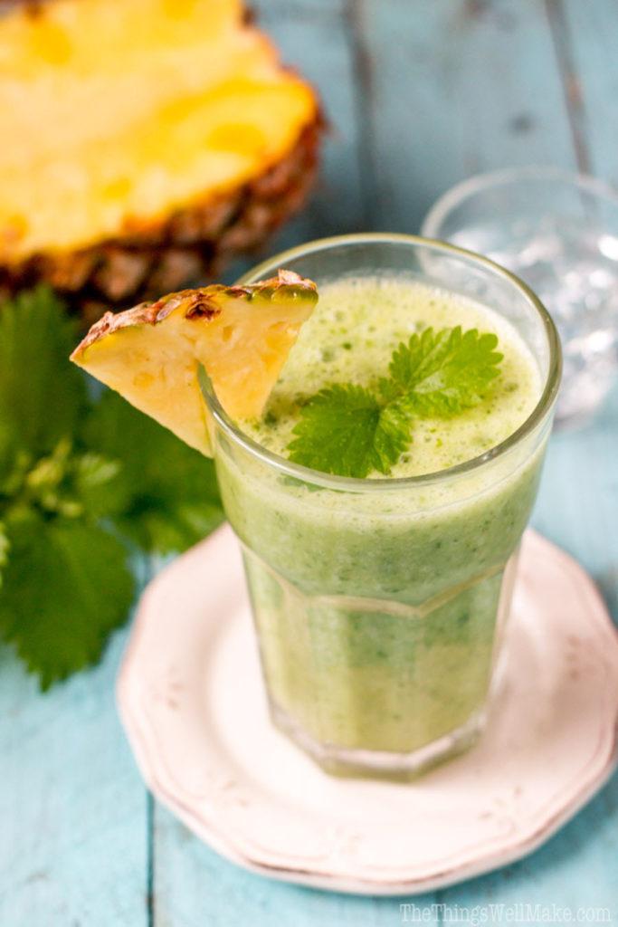 Zelené kopřivové smoothie s čerstvým ananasem
