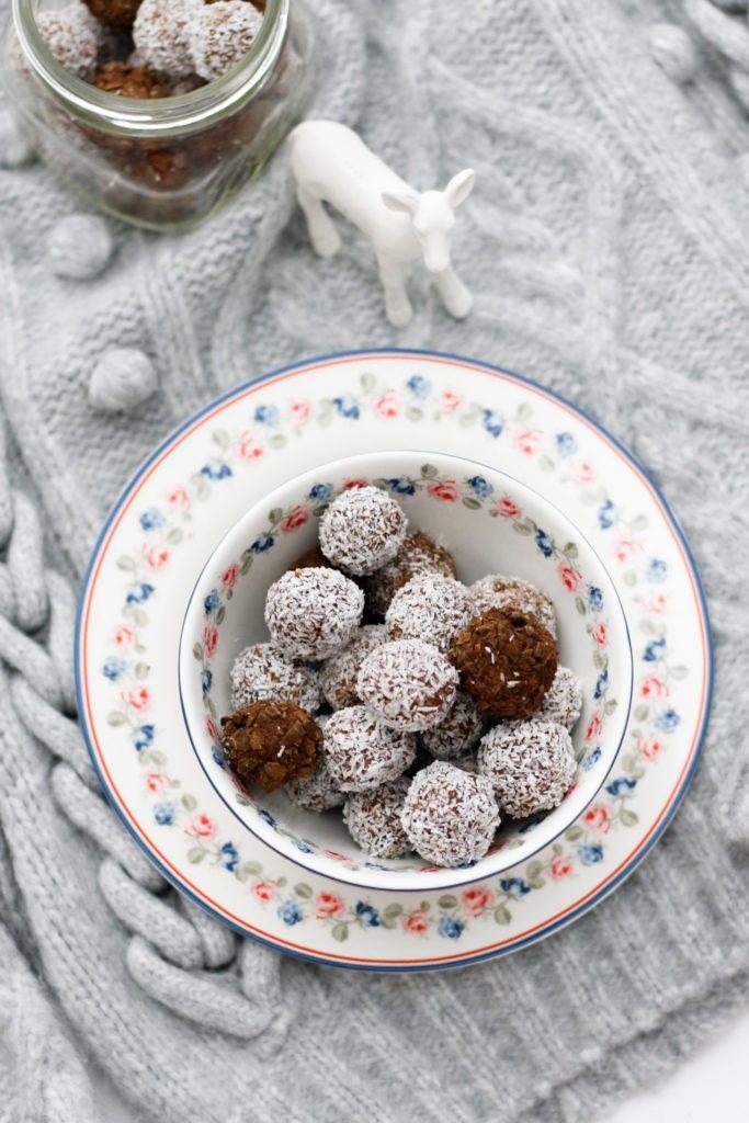 vánoční čokoládové kuličky v kokosu
