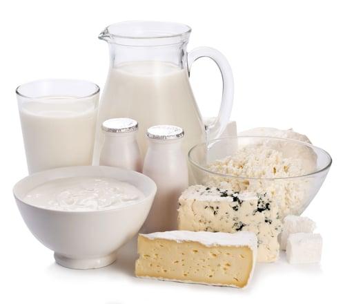 mnoho mléčných výrobků lze jíst bez příloh a jsou bohaté na bílkoviny