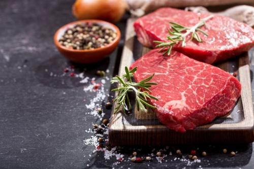 Kvalitní maso je zdrojem plnohodnotných bílkovin.