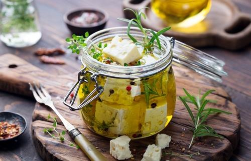 Správně naložený lahodný sýr