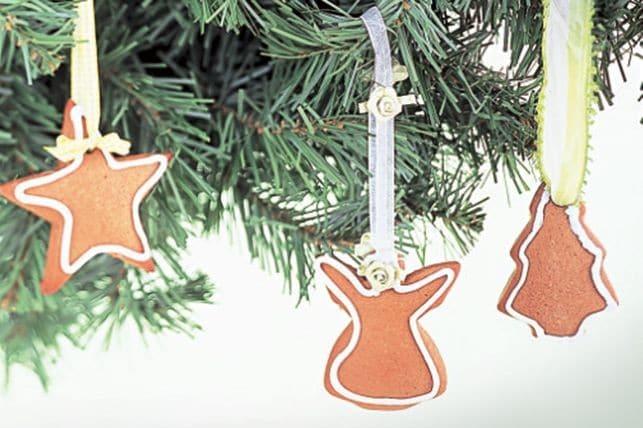 vánoční cukroví v podobě švédských zázvorek na stromeček