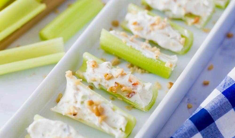 celerové kanapky se sýrovou náplní
