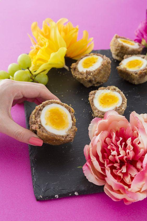 Pštrosí vejce- recept na velikonoční sekanou ve tvaru koulí.