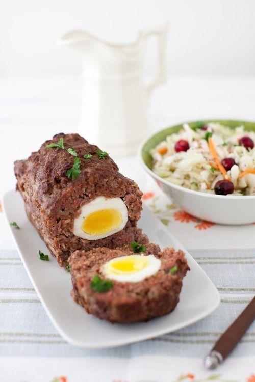 Recept na tradiční velikonoční sekanou plněnou vařenými vajíčky.