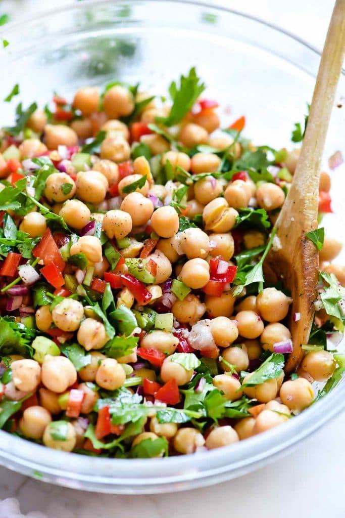 zeleninový salát z cizrny