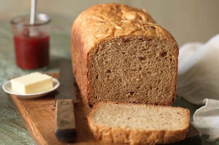 recept na chléb z domácí pekárny