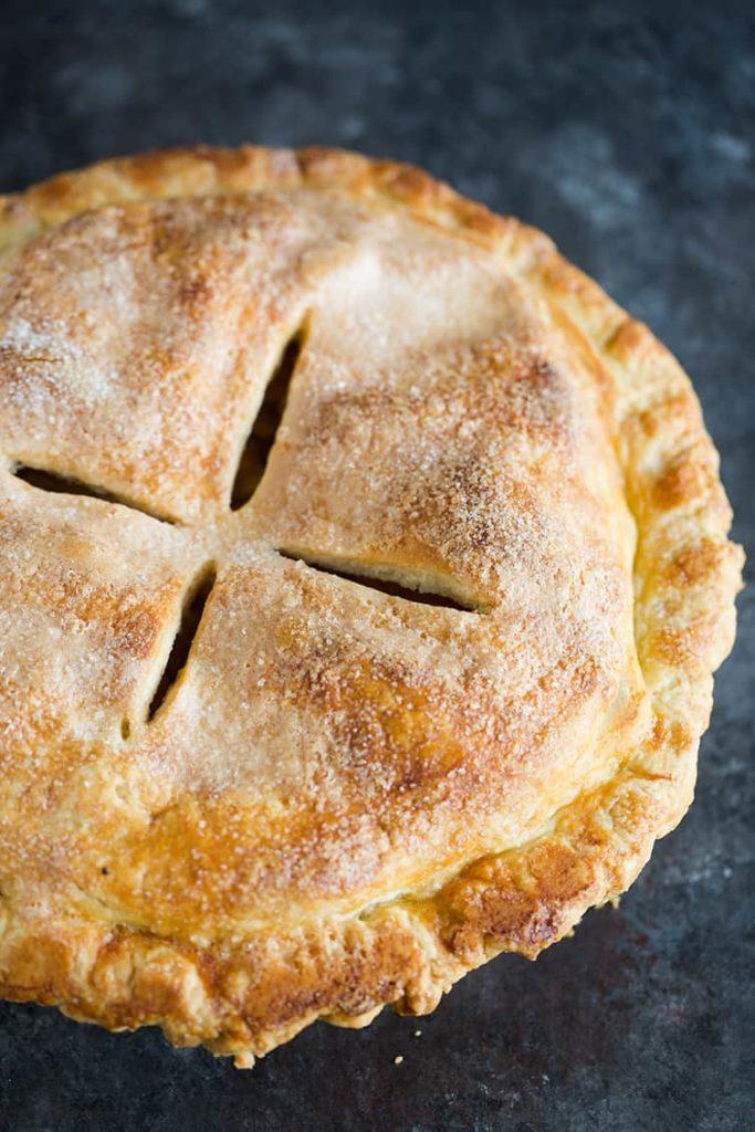 pečený koláč s jablečnou náplní