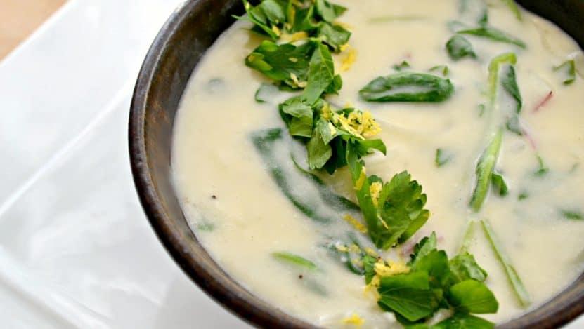 špenátová polévka se špenátem