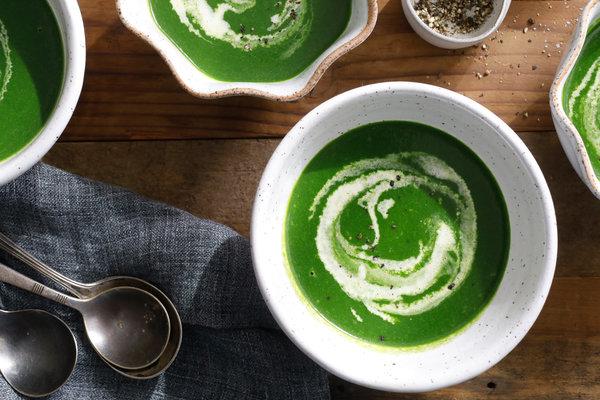 špenátová polévka do hrnečku
