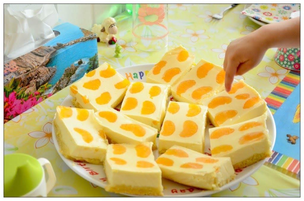 řezy z tvarohu a mandarinek