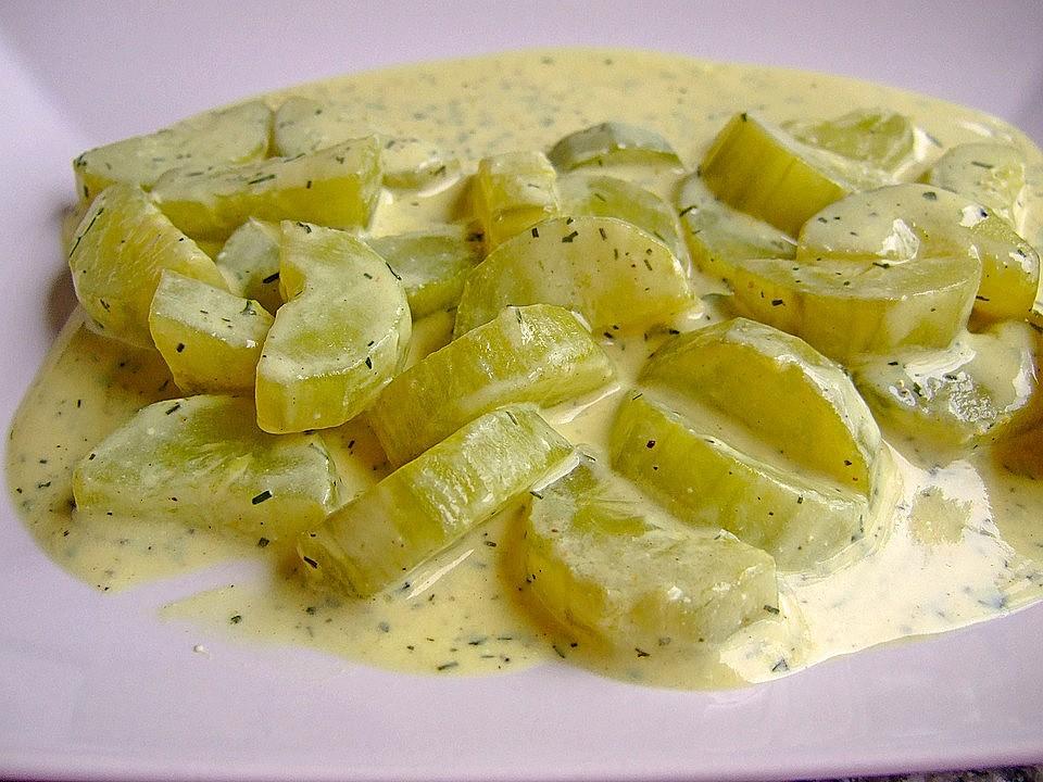 Recept na okurkovou omáčku z čerstvých okurek je jednoduchý.
