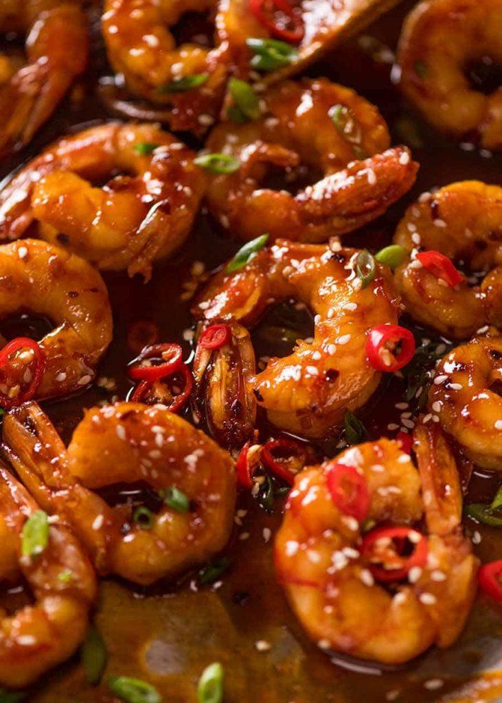 Ostré krevety. Recept pro ty, kdo mají rádi řízná jídla.