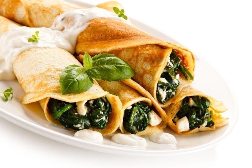 Další z receptů na palačinky plněné mraženým špenátem a sýrem balkánského typu.