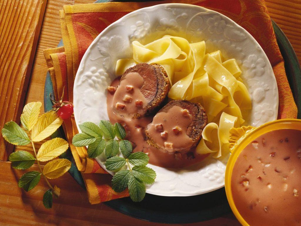 Svou oblíbenou variantu šípkové omáčky si dejte se svým nejlepším kouskem masa.
