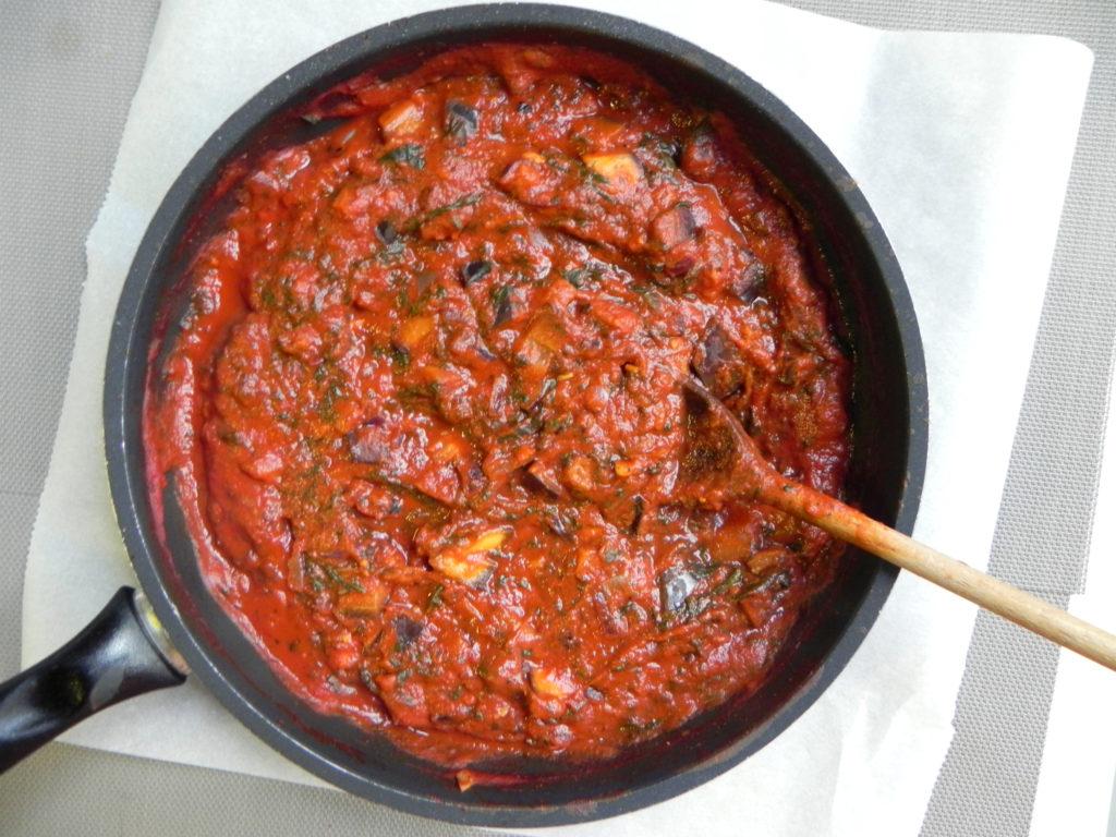 Omáčka na špagety s rajčaty.