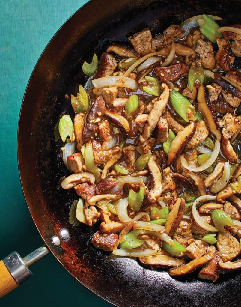 Vepřové nudličky s houbami na asijský způsob.