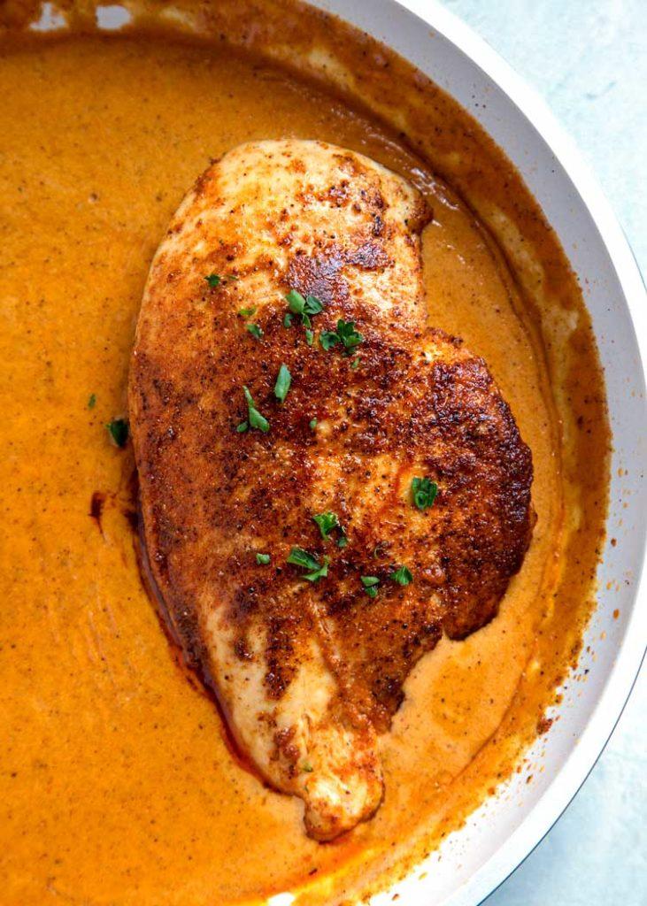 pečené kuře na paprice ve smetanové omáčce
