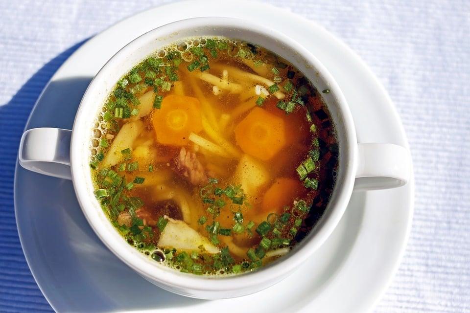 hotová hovězí polévka