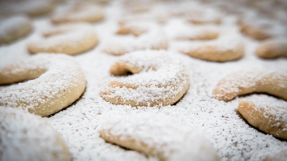 Vánoční rohlíčky v cukru