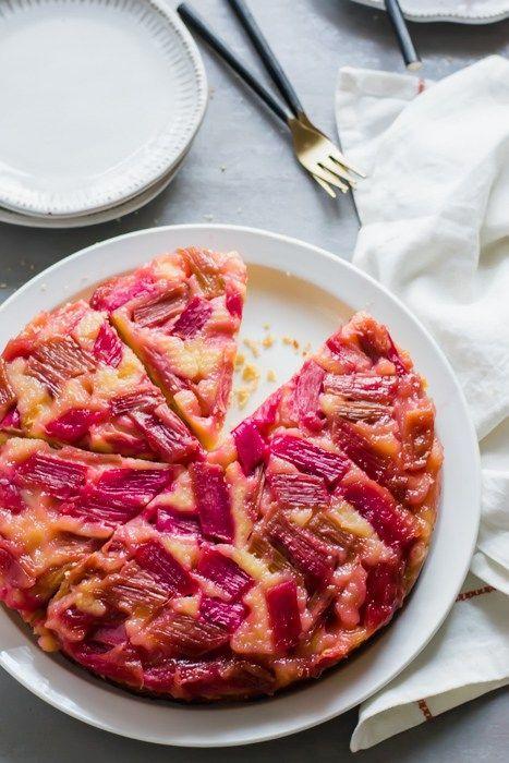 Pudinkový koláč s rebarborou