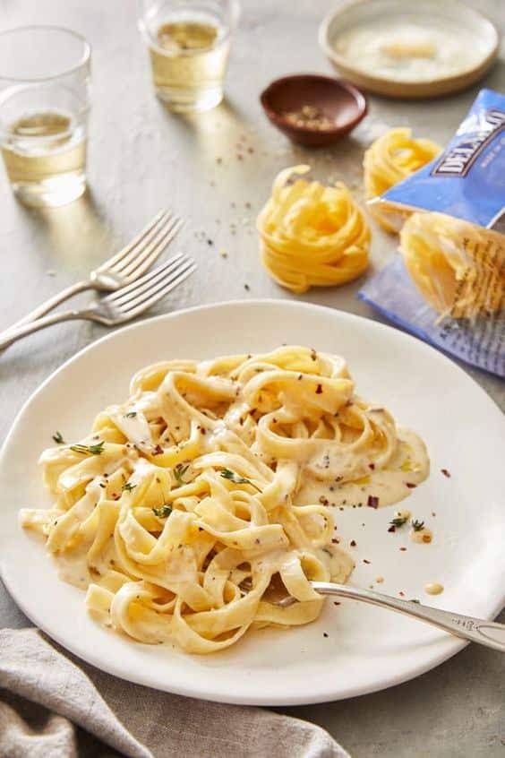 Krémové těstoviny se sýrem