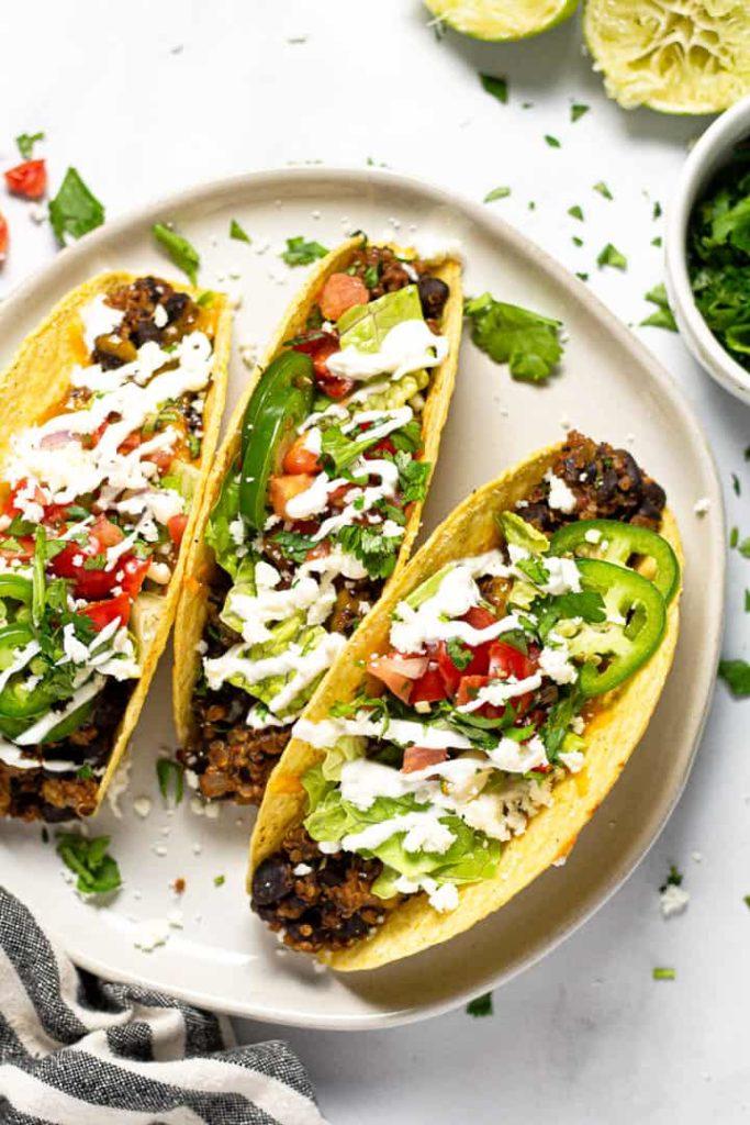 Fazolové tacos se salsou
