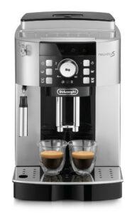 Italským kávovarům dominuje DeLongi.
