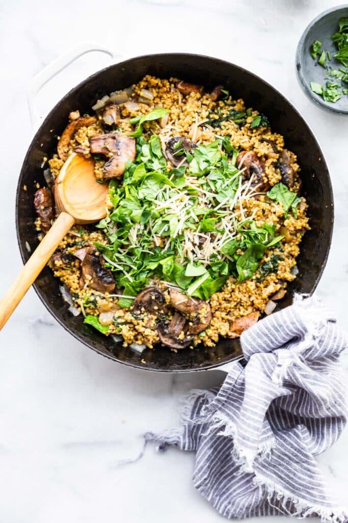 Jáhly na slano lze připravit jako oblíbené rizoto.