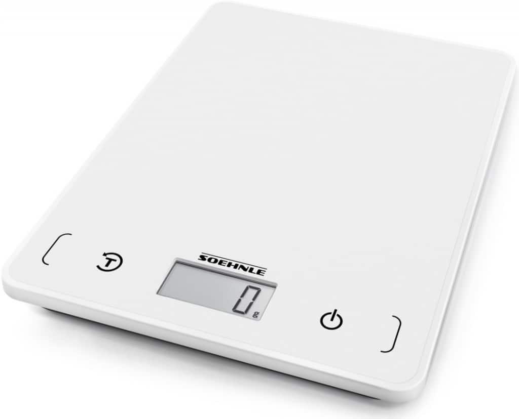 Digitální kuchyňské váhy umí nejen vážit, ale také měřit objem.