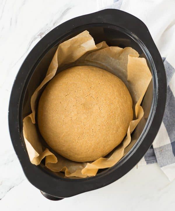 celozrnný chléb pomalu pečený v hrnci